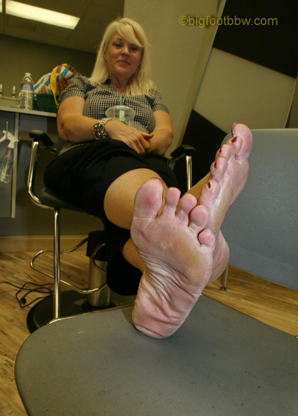 big foot bbw